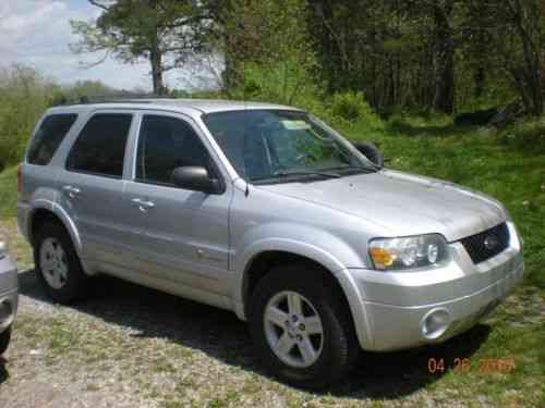 Ford Escape Hybrid Sport Utility 4 Door 2005 Needs New One Owner