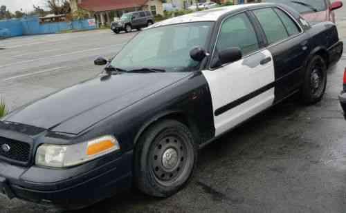 ford crown victoria police interceptor sedan 4 door one. Black Bedroom Furniture Sets. Home Design Ideas