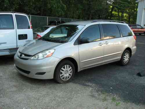 toyota sienna 2006 toyota sienna van with 220k needs one owner cars for sale. Black Bedroom Furniture Sets. Home Design Ideas